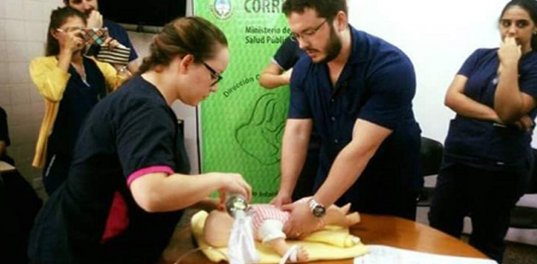 Jornada de Capacitación en Reanimación Cardiopulmonar Neonatal en el Hospital San Juan Bautista